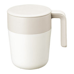 Kinto - CAFEPRESS Mug - Ivory - The Cafepress Mug by Kinto brews your coffee and allows you to sip all in one convenient cup. By pressing the plunger, you can enjoy rich aromatic coffee and tea in just a few minutes! CAFEPRESS mug can brew and strain inside itself. Just put the ground coffee or tea leaves in, pour boiled water and let it brew for a few minutes. Then, press the plunger down slowly and enjoy drinking. As the cup is double walled, it's easy to hold and stays warm longer.