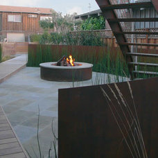 Beach Style  by Christopher Yates Landscape Architecture