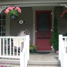 Traditional Entry by HOPE DESIGNS