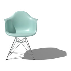 Herman Miller Eames Molded Plastic Armchair with Wire Base |YLiving - The Herman Miller Eames chair is perfect for all of you mid-century moddies.