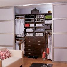Modern Closet by EasyClosets