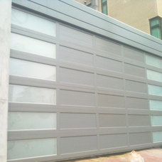 Modern Garage Doors by YI CHENG DOORS CO., LTD