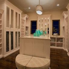 Contemporary Closet by Greenwood Custom Homes