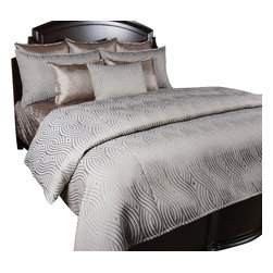 Titanium Duvet Set, King - Beautiful Silver Gray scroll pattern with silk like matching pillows brings a romantic feel to any room.