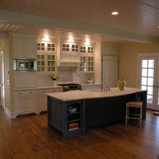 Modern Kitchen by Floridian Design Custom Cabinetry