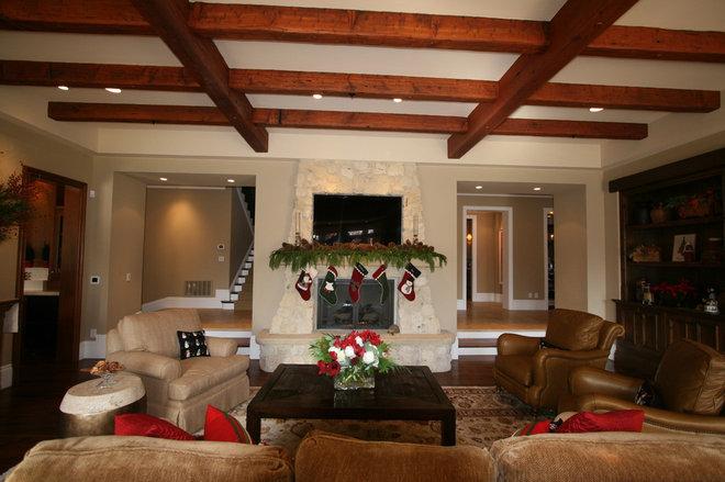 Traditional  Atherton Holiday House Tour