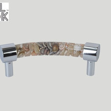 modern handles by SHREE RAM KITCHEN APPLIANCE PVT LTD