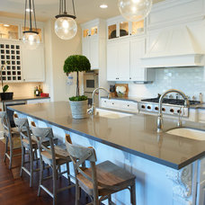 Kitchen by Intimate Living Interiors