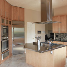 Contemporary Kitchen Cabinetry by Signature Cabinetry & Design Solutions
