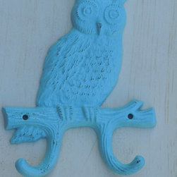 Decorative Owl Wall Hook, Aqua by Country Girl Market - Owls are so on trend again, yet I still can't bring myself to put one in my house. Growing up the '70s, I thought they were so overdone, but this one could make me rethink it.