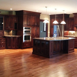 Traditional Kitchen Cabinets Design Ideas, Pictures, Remodel and Decor