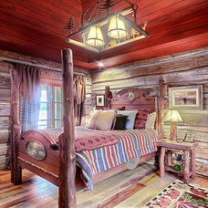Traditional Beds by Peggie Rhodes & Associates