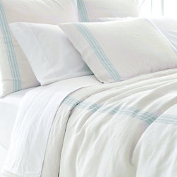 Varana Linen Sky Duvet Cover - It would be well-suited as much to a French country home in Provence as to a bungalow in Bel Air; such is the refined beauty of the Varana Linen Sky Duvet Cover. The pale background and sky-blue striping allow the piece to blend easily with muted color palettes or to soften the presentation of more vivid decors.