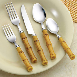Bellamo - Bellamo Bamboo 26-piece Flatware Set - This charming 26-piece bamboo silverware set is perfect for outdoor dining and barbecues. Crafted from stainless steel with plastic handles designed to look like bamboo stalks, this set is dishwasher safe, making after-party cleanup quick and easy.