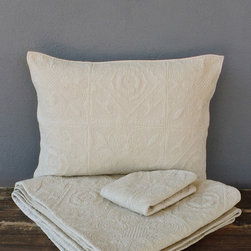 hearst beige coverlet set – full/queen - Jessica Chiles