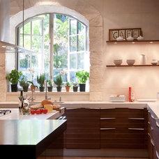 Contemporary Kitchen by Toro-Lombardo Design Build