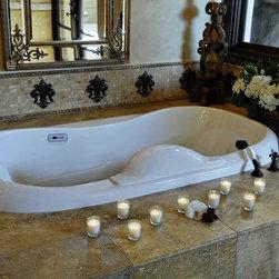 Landmark Metalcoat - Fleur de Elegance Borderless 8.25 X 6.5 - Romantic Bathtub