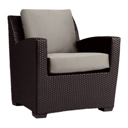 Brown Jordan Fusion Club Chair - Bold, elegant, and sturdy — Brown Jordan's Fusion collection is everything a modern home needs in outdoor furniture. This spacious club chair is a great addition to an outdoor dining or lounge space. Simply pull it up next to a modern fire-pit for an instantly eye-catching outdoor living space.