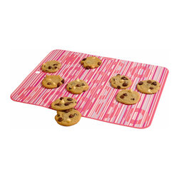Baker's 13 - Pink Stripe Baking Mat - Boasting a charming design and crafted from dishwasher-safe silicone, this reusable mat will make cookies, rolls and fish sticks roll right off without sticking.   17'' x 11'' Silicone BPA-free Oven-safe up to 400°F Dishwasher-safe Imported