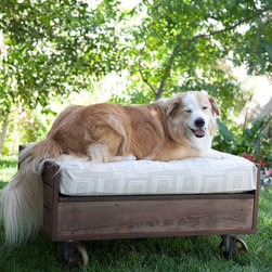 2012 Saint Roch Dog Beds - Cart Bed