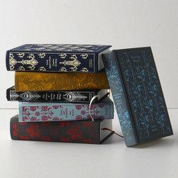 Clothbound Penguin Classics - As a writer, I'm attracted to beautiful covers and these cloth-covered Penguin Classics will definitely add class, refinement and beauty to any home.