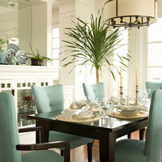 Traditional  Aqua Dining
