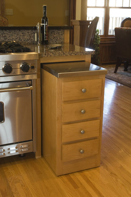 Traditional Kitchen by Leslie Sale- TimberLine Construction