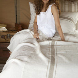 Libeco - Kalahari Bed Linen Collection - Coverlet - Named after the Kalahari Desert in Southern Africa.  The fabric is rustic, pure linen with a slightly vintage feel about it.  With a central flax stripe on an oyster background, this collection is simple, elegant and timeless.  The Kalahari bed linen collection includes coverlet, pillow covers and shams.
