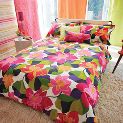 Beautiful Bedding - This duvet features a fun and flamboyant , Op Art inspired stylised floral in fabulously bold, vibrant shades. The duvet has a plain neutral reverse and black piping to the edges. Duvet is 100% cotton. Total duvet size is 230cm x 220cm.