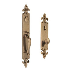St. Charles Entry Handleset - With the French Gothic fleur de lis ornament on both ends of its plates, this entrance set is the epitome of classical design. A swinging key flap and curvaceous grip handle complete the regal look.