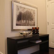 Contemporary Entry by Helen Hamilton Design Inc.