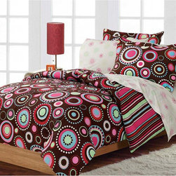 None - Gypsy 7-piece Queen-size Bed in a Bag with Sheet Set - Enjoy making your bed with this beautiful queen-sized sheet set. The set includes everything you need to create the look that has been shown on many magazine covers. Making your bed every morning will make the room look tidy with minimal effort.