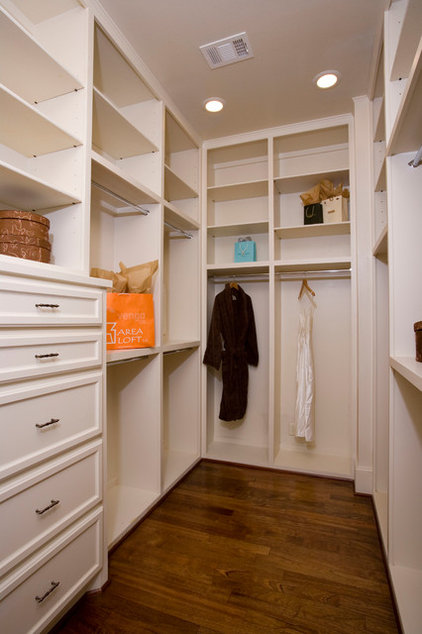 Traditional Closet by Whitestone Builders