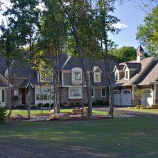 Exterior by Payne & Payne Builders