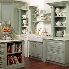 Traditional Kitchen Cabinetry by Tad Hellmann Design