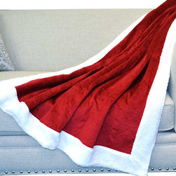 BNF Home Inc. - Red Quilt Microplush Throw Blanket - Throw this quilted blanket over a sofa to add some zest to your living room's décor. Plus, it's machine-washable for easy cleaning.   50'' x 60'' 100% polyester Machine wash; tumble dry Imported