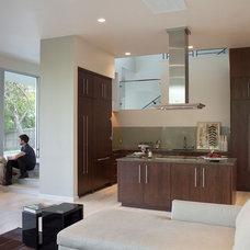 Modern  by Hugh Jefferson Randolph Architects