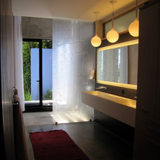 Contemporary Bathroom by JUAN FELIPE GOLDSTEIN DESIGN CO