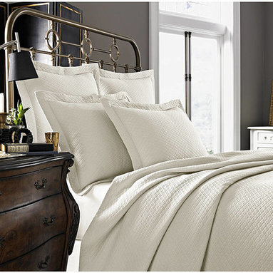 Diamante Cotton Matelasse Coverlet in Ivory by Kassatex - Diamate Cotton Matelassé Coverlet is supreme elegance crafted in Portugal for the ultimate bedroom look and the most luxurious sleeping experience.  Available in 3 colors by Kassatex from Kellsson Home Linens.