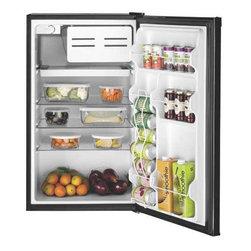 GE - GE Space Maker Refrigerator 4.4 Cu. Ft.. Black - Features:
