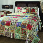 None - Pomona 3-piece Quilt Set - Bring some charm to your bedroom with this three-piece quilt set. The multicolored, vibrant pattern is reminiscent of the old-style handmade quilts of long ago. The comforter cover is made of 100 percent cotton and comes with matching shams.