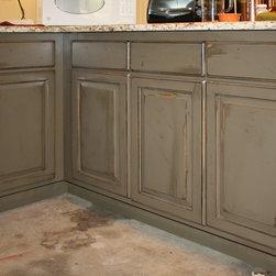 Farmhouse Kitchen Cabinetry: Find Kitchen Cabinets Online