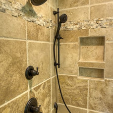 Rustic Bathroom by Oak Hill Building & Remodeling