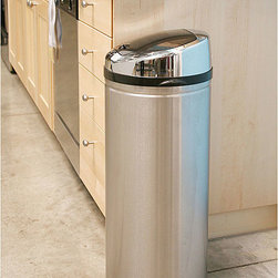 iTouchless - iTouchless 13-gallon Steel Touchless Trash Can - Modern technology meets functionality with this automatic touchless trash can by iTouchless. The lid will remain open if your hand is within a six-inch range,and closes after three seconds,which helps to prevent contamination and airborne illness.