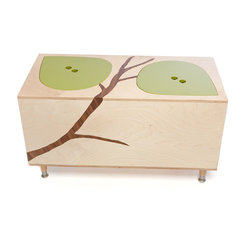 Mod Mom - The Owyn Toy Box - This catchall birch box is perfect for storing all sorts of odds and ends around the house. The two bright green leaves lift off for easy access to the storage area. And an added bonus is the environmentally friendly materials used in this made in the USA storage piece.