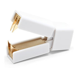 000357 Huisheng Industrial (HK LTD - Staple Remover White + Gold - The perfect method for pulling out.Ships in: 1-2 business days