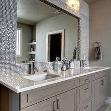 Contemporary  by EverGreen Homes Inc.