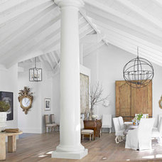 Traditional  Winter White Room