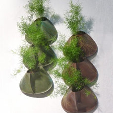 Contemporary Outdoor Pots And Planters by Art Terre