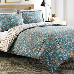 City Scene - City Scene Milan Teal Reversible Cotton 3-piece Duvet Cover Set - The City Scene Milan reversible duvet cover set is a gorgeous addition to any contemporary decor. Constructed of 100-percent cotton,the reversible duvet displays a paisley pattern in a turquoise,khaki,taupe and white finish.